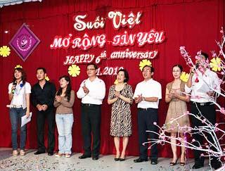 Truyền thống lần 6 : Ban hợp xướng Suối Việt