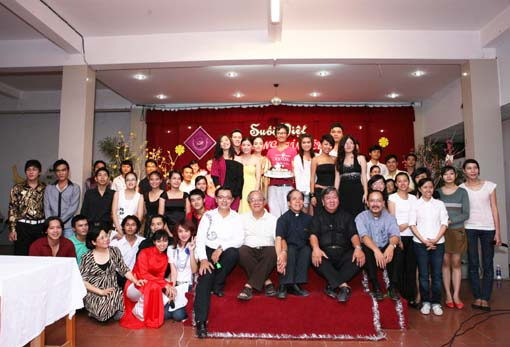 Ban Hợp Xướng Suối Việt