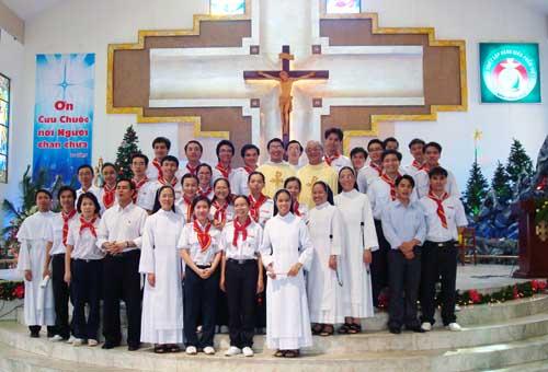 Đoàn thiếu nhi mừng Bổn mạng Mẹ Thiên Chúa