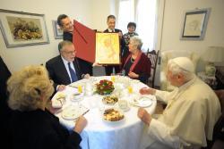 Đức Thánh Cha viếng thăm người già