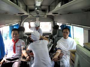 Clips: Hiến máu cứu người (2012)