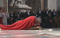 Nghi thức thứ Sáu Tuần Thánh tại Roma