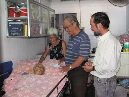 Thăm Bệnh nhân Giáo họ Gioan
