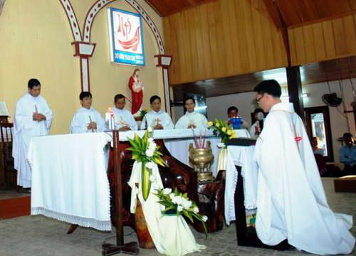 Dòng Đaminh với giáo xứ Kon Rơ Bang