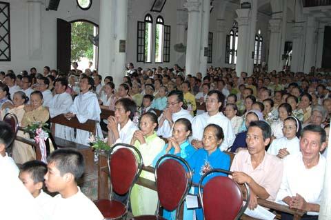 Lm G. Nguyễn Viết Chinh tạ ơn tại quê hương