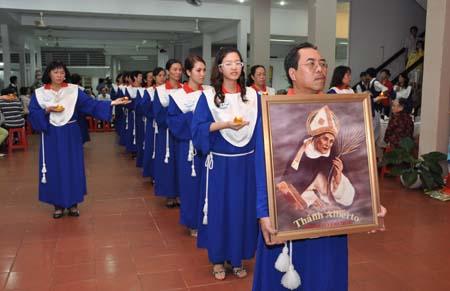 Ngày truyền thống ca đoàn Anbêtô
