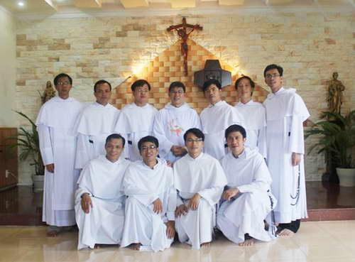 Lễ truyền chức linh mục tại thánh đường Đaminh