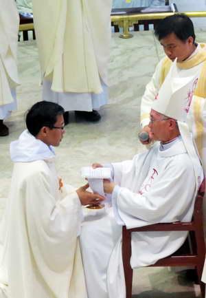 CD: Hồng ân thiên chức linh mục