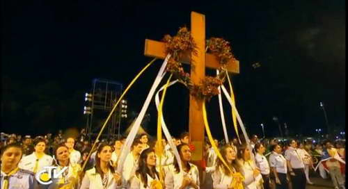 JMJ Rio : Video Đức Thánh Cha với đàng Thánh Giá