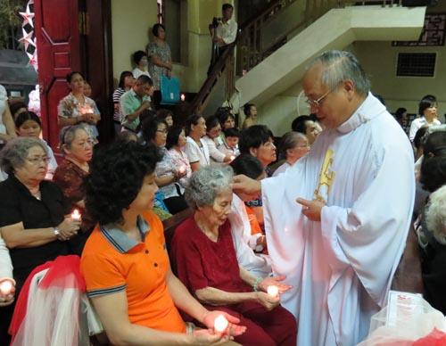 Thánh lễ đặc biệt cầu cho các bệnh nhân 2014