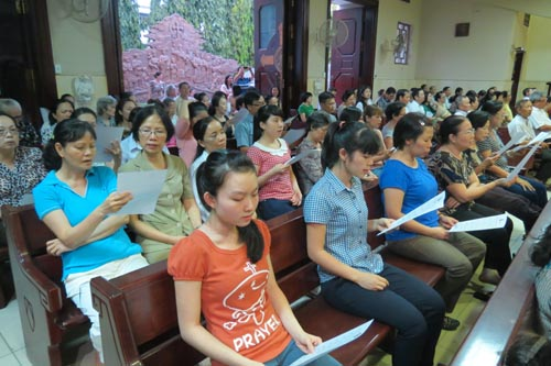 Gia đình, trường dạy đức tin và nhân cách