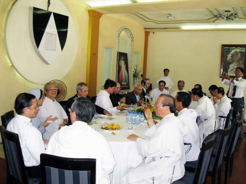 Đức TGM Girelli thăm Cộng đoàn Đaminh