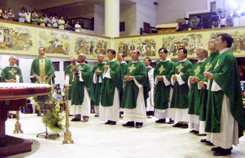 Đại Biểu FABC thăm giáo xứ Đaminh