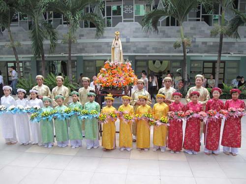 Khai Mạc Tháng Hoa Kính Đức Mẹ