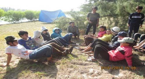 Bông Trang:  Lớp Vào Đời Sinh Hoạt Ngoại Khóa
