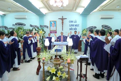 Video: Tu viện Alberto dâng lễ cho cha Giuse