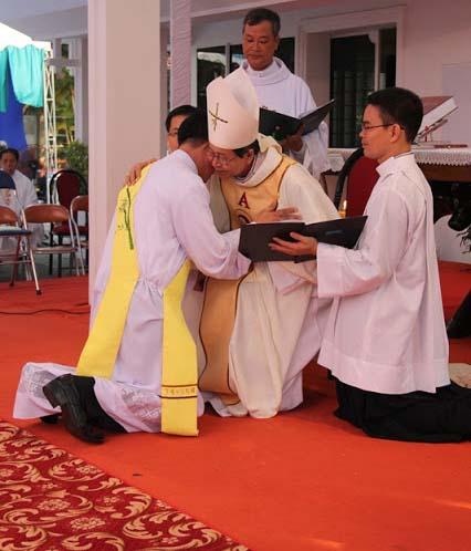 TH online 49: Ba cấp bậc Thánh chức trong HT